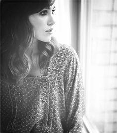 shoulder-length wavy hair :: Keira Knightley