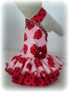Ladybug dress by Koketita Girl Dog Clothes, Puppy Clothes, Dog Dresses, Nice Dresses, Dog Closet, Dog Clothes Patterns, Dog Bag, Dog Crafts, Dog Pattern