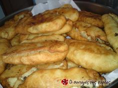 Pontian potato Piroshki Recipe by Cookpad Greece – Hapur Şupur Greek Cooking, Cooking Time, Potato Piroshki Recipe, My Favorite Food, Favorite Recipes, Greek Appetizers, Greece Food, Greek Sweets, Greek Dishes