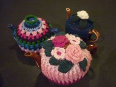 The one on the left is Raymond's granny tea cozy pattern. Thank you Raymond.