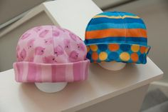 Shelley Made: Reversible Baby Beanie Tutorial
