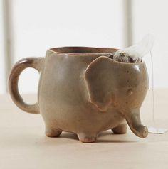 Bem Legaus!: Chá de elefante... elephant mug with a tea bag holder <3 <3