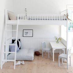 Loft bed ladder