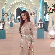 #FaryalMakhdoom looks stunning in this belted dupatta #Élan ensemble @faryalxmakhdoom @elanofficial
