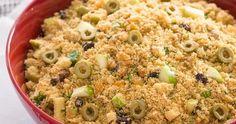 Ingredientes   500 g de farofa pronta (farinha de mandioca temperada)  5 colheres (sopa) de azeite de oliva  1 cebola média, bem picada
