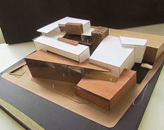 Vezi această fotografie Instagram de @arqmodel  • 2,673 de aprecieri Maquette Architecture, Architecture 101, Landscape Model, 3d Modelle, Arch Model, Modelos 3d, Modern Buildings, Model Homes, Building Design