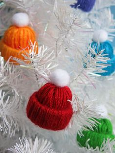 35 Easy Diy Christmas Ornaments For A Personalized Tree Decor . 35 Easy DIY Christmas Ornaments For A Personalized Tree Decor easy diy christmas ornaments - Easy Diy Crafts Diy Gifts For Christmas, Diy Christmas Garland, Handmade Christmas Decorations, Diy Garland, Noel Christmas, Diy Ornaments, Leaf Garland, Christmas Tree Decorations To Make, Christmas Pom Pom Crafts