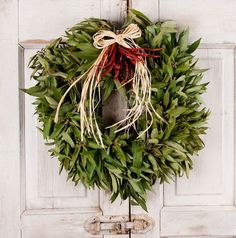 A Bay Leaf with Chili's from Jackson & Perkins   Read more: http://www.yummydecor.com/#ixzz2mZKFcyaF