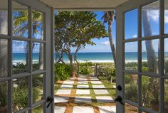 Ft. Lauderdale, Florida - Beachside Cottage - tropical - patio - miami - Dan Forer, Photographer