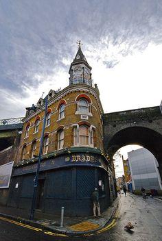 Brixton - Brady's