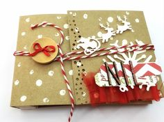 Taller mini álbum navideño 28/11/2015 #itzidreams Gift Wrapping, Gifts, Mini Albums, Atelier, Creativity, Gift Wrapping Paper, Presents, Gifs, Gift Packaging