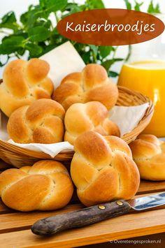 Bread Bun, Bread Cake, Dutch Recipes, Bread Recipes, To Serve Man, Food Crush, Food Design, Scones, Bakery