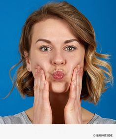 Eating right and being physically active are a ew examples of good habits that can help your body stay fit and young. But this is also true for our facial muscles which tend to lose their firmness as we age. Yoga Facial, Facial Muscles, Double Chin Exercises, Face Exercises, Good Habits, Tips Belleza, Skin Firming, Excercise, Health And Beauty