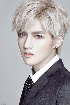 Kris (blue eyes)