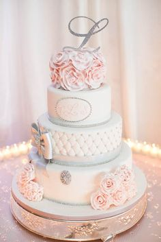 Love the colors on this monogram wedding cake!