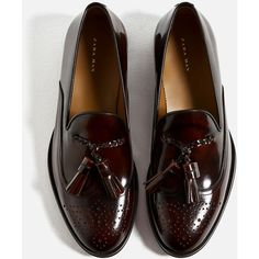 BURGUNDY BROGUED AND TASSELLED LOAFERS - View all | From size... (38.615 HUF) ❤ liked on Polyvore featuring shoes, loafers, tassel shoes, tassle loafers, burgundy tassel loafers, loafers moccasins and burgundy shoes