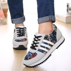 iWomen's Shoes Fabric Flat Heel Comfort/Closed Toe Fashion Sneakers Outdoor/Casual Black/White