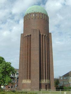 Lees meer: http://rijksmonumenten.nl/monument/516156/watertoren++naaldwijk/naaldwijk/
