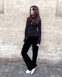 Ribbed top/MONKI, velvet pants/H&M, sneakers/ADIDAS at Sarenza, necklaces/JANE KØNIG & ALIGHIERI