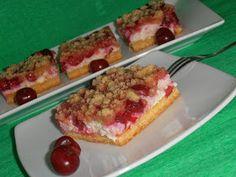 Csilla konyhája, mert enni jó!: Meggyes- túrós- morzsás pite