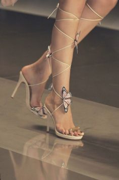 Women shoes Style Fashion - Cute Women shoes Classy - - Women shoes Casual Slip On - Women shoes High Heels Chunky - Women shoes High Heels Pump Stilettos High Heels Uk, Black And White High Heels, Bo Jackson Shoes, Alexander Mcqueen, Butterfly Shoes, Aesthetic Shoes, Pretty Shoes, Womens Shoes Wedges, Women's Shoes Sandals