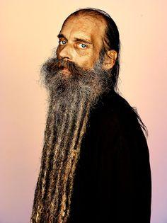 Pour plus d'informations, cliquez ici.   Cette exposition affiche quelques-unes des barbes les plus glorieuses du monde