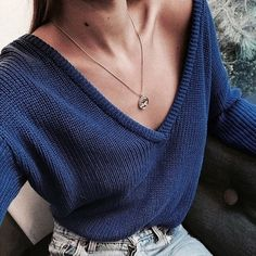Women Casual Deep V Neck Knitted Sweater Jumper Tops Long Sleeve Pullover Women Solid Color Loose basic fashion tips Mode Outfits, Casual Outfits, Fashion Outfits, Womens Fashion, Fashion Trends, 90s Fashion, Fashion 2017, Fashion Tips, Ladies Fashion