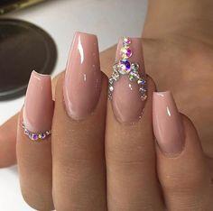 So pretty. Love this nude color and rhinestone nail art. perfectly shaped nails! #nailart #nails #unas