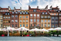 Baroque Square The baroque architecture of the Warsaw's Old Town Market Place.