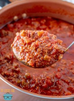 This Homemade Beefy Spaghetti Sauce is simple to make but has incredible flavor. It's the perfect meaty sauce to hold up to any pasta shape. Veggie Recipes, Gourmet Recipes, Beef Recipes, Italian Recipes, Great Recipes, Cooking Recipes, Favorite Recipes, Veggie Food, Italian Foods