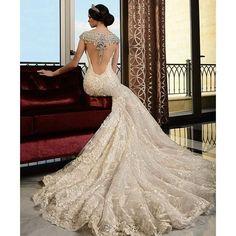 Rami Salamoun #ramisalamoun #MalibuBridal #moda #weddingdress #novias #weddinginspiration #wedding #hautecouture #weddingbells #luxurywedding #dreamwedding #fantasywedding #marriage #weddingideas #bridal #weddinggown #trending #instawedding #blog #fashionweek #españa #fashionblogger #girl #bride #luxury #선물 #tuesday #love