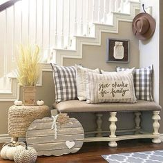 70+ Simple Farmhouse Staircase Decor Inspirations