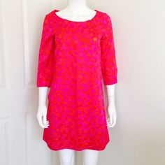 MARC JACOBS red pink silk shift dress size XS Red and hot pink printed MARC by MARC JACOBS silk shift dress with 3/4 sleeves, buttons at the collar and pockets. The print has cute little hearts on it-- adorable and bright! Size XS Marc by Marc Jacobs Dresses