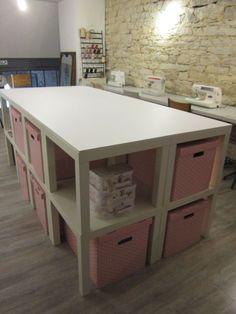 Table de découpe d'atelier crée à partir de petites tables basses