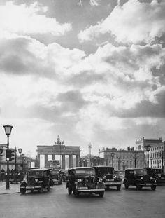 Berlin, Unter den Linden, 1936