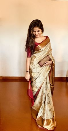 Tattoo trend: models of Saree silk blouses Pattu simple catalog - Trend Tattoo models of Saree silk blouses Pattu simple catalog One great thing ab Indian Blouse Designs, Silk Saree Blouse Designs, Indian Silk Sarees, Indian Beauty Saree, Latest Silk Sarees, Bengali Saree, South Indian Sarees, Soft Silk Sarees, Indian Fashion Dresses