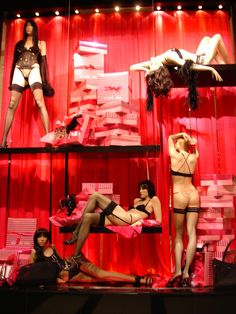 window display | Victoria Secret