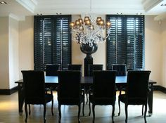 Black dining room de
