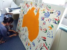 Painting the childrens's hand prints different cultural flags from around the world Multicultural Activities, Kindergarten Activities, Classroom Activities, Preschool Activities, Harmony Day Activities, Diversity In The Classroom, Classroom Art Projects, Classroom Decor, Cultural Crafts