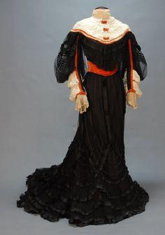 Dress, ca. 1905.   Black as ebony, white as snow, red as blood...