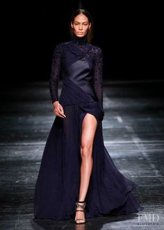 Photo feat. Joan Smalls - Prabal Gurung - Autumn/Winter 2014 Ready-to-Wear - new york - Fashion Show | Brands | The FMD #lovefmd