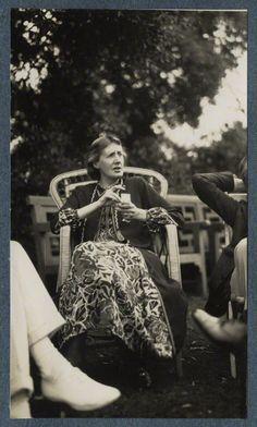 Virginia Woolf (née Stephen), by Lady Ottoline Morrell, June 1926 - NPG - © National Portrait Gallery, London