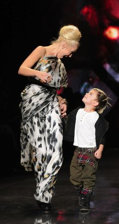 Gwen Stefani & Kingston animal print dress