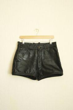 Vintage black leather high waist shorts by TurquoiseFlamingo, €28.00