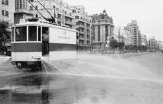 La ciudad es un lugar para vivir: la salubridad se convierte en un servicio público y gratuito (1956)