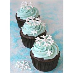Im making these!   Snowflake Cupcakes  Christmas Desserts