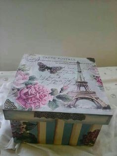Caja de te vintage Decoupage Vintage, Decoupage Box, Altered Boxes, Altered Art, Gratitude Book, Cigar Box Crafts, Decoration Shabby, Diy And Crafts, Arts And Crafts