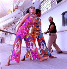 Tseklenis, 1970 Greek Fashion, Retro Fashion, Kimono Top, Fashion Designers, Monsters, Tops, Photos, Women, Pictures