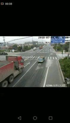 Man can drive – Gif