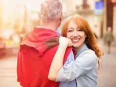 Wechseljahre: Auswirkungen und Mittel gegen Beschwerden Die Hormone schicken viele Frauen in den Wechseljahren auf eine Achterbahnfahrt der Gefühle. Eine Zeit des Leidens? Nein! Lassen Sie es sich gut gehen. Gerade jetzt!